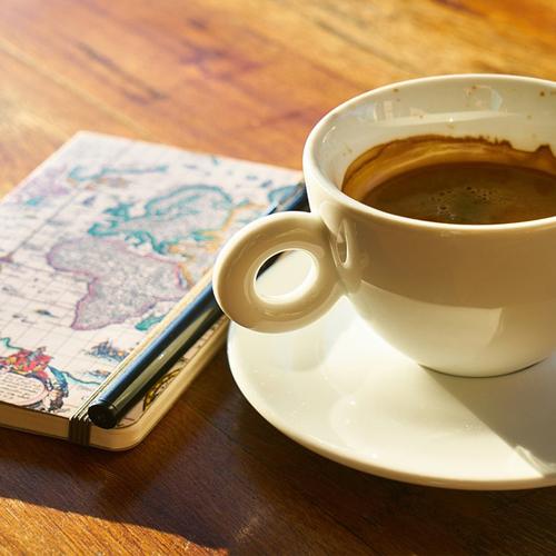 7 CAFETERÍAS PARA SENTARTE A DISFRUTAR DE UN BUEN LIBRO