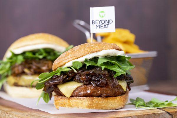 Beyond Burger: la hamburguesa vegetariana que estremece la Bolsa llega a Madrid