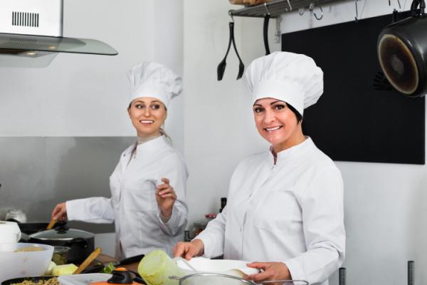 Mujeres en la alta hostelería, conoce tres casos de éxito